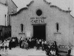 """Tämä ilmeisesti oli kirkko ennen kuin se pakkohaltuunotettiin ja muutettiin """"kansan taloksi"""" tai Casa del Puebloksi."""