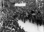 Kuva osasta anarkisti-vallankumouksellisen Buenaventura Durrutin hautajaisista Barcelonassa syksyllä 1936.