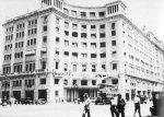 Entinen hotelli jonka työläiset olivat ottaneet haltuunsa heinäkuun vallankumouksen aikana.